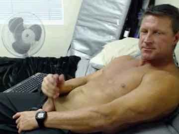 Sexy Mature Man Wanking On Gay Cam